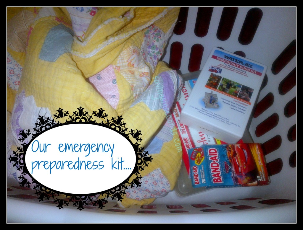 What's in YOUR emergency preparedness kit?  savingsinseconds.com