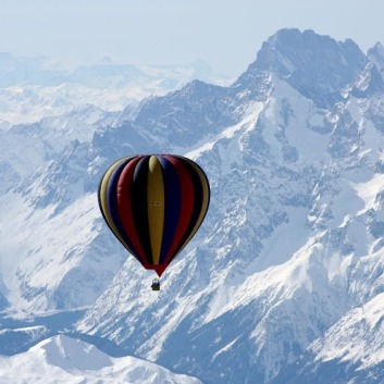 Would you like to fly in a hot air balloon over Mt. Everest?  savingsinseconds.com