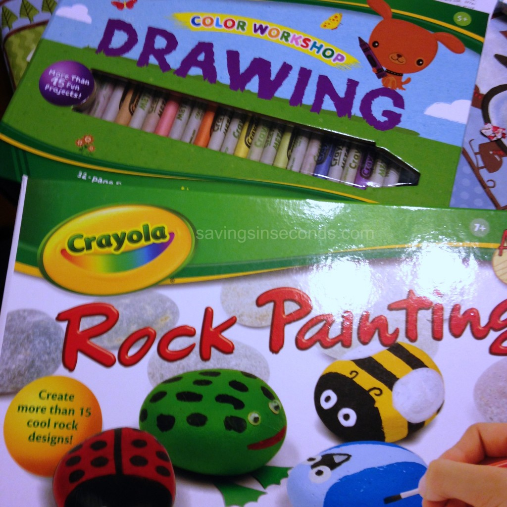 Crayola kits make great gifts! #ad Savingsinseconds.com